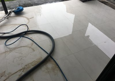 Outdoor tile cleaning 2
